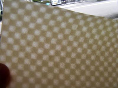 市松柄で透かしを入れた手漉きの和紙