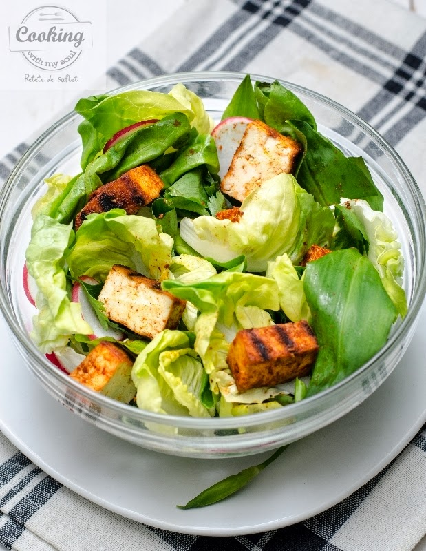Salata cu tofu marinat