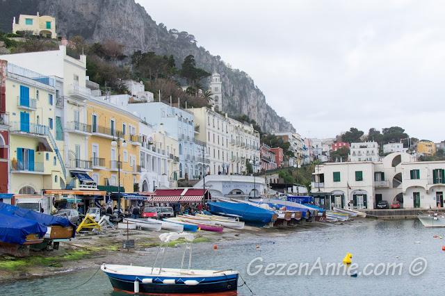 Capri limanı, Marina Grande, İtalya