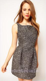Vestido corto de lana dos pliegues abiertos en la cintura