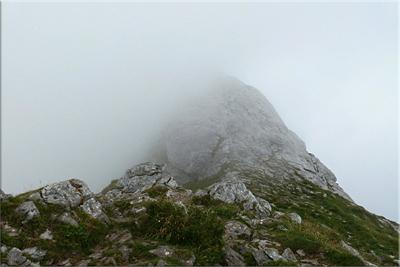Últimos metros, Anboto se esconde tras la niebla