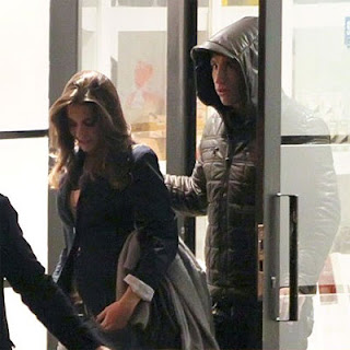 Sergio Ramos and his girlfriend at a restaurant