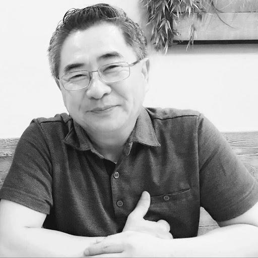 Dong Kim