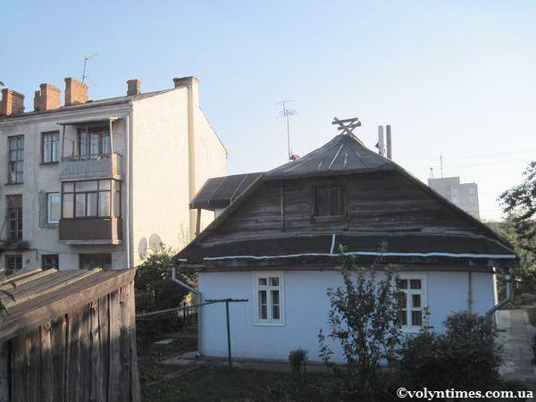 Дерев'яна садиба першої половини ХХ ст. на вул. Яровиця, 2 Фото І.Шворака
