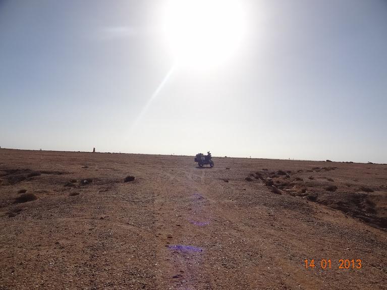 Marrocos e Mauritãnia a Queimar Pneu e Gasolina - Página 5 DSC05799