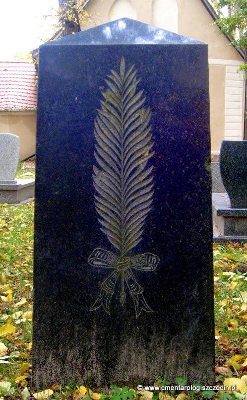 gałązka palmowa (tył nagrobka na cm. przykościelnym w Szczecinie-Krzekowie)