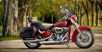 2011-Harley-Davidson-FLSTSE2-CVO-Softail-Convertible