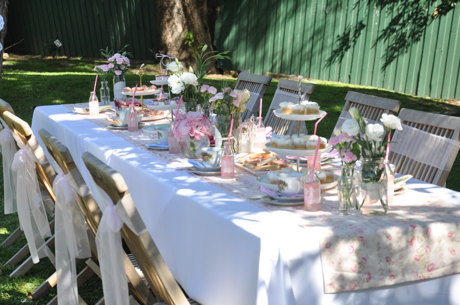 {Real Parties} Vintage Tea Garden Party