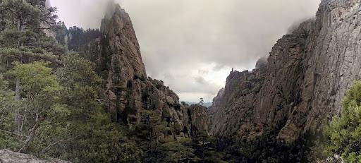 L'aval du Pulischellu depuis le bivouac d'U Zordu (photo Olivier Hespel)