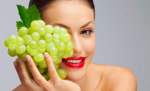Маска из винограда
