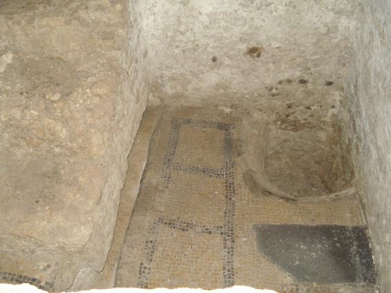 Antiguos Baños Judíos: supone ser un antiguo baño ritual judío convertido en baptisterio