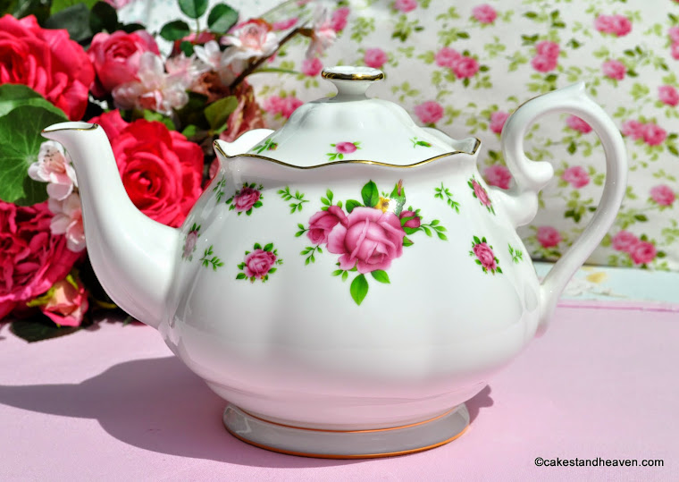 Royal Albert New Country Roses White Teapot