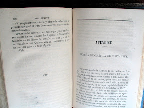 Al final del texto hay un apéndice con una reseña biográfica de Cervantes.