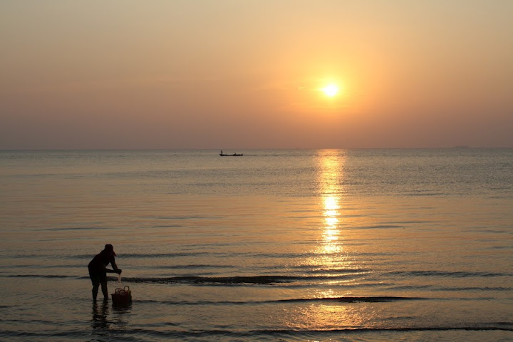 Sunset on the south coast of Cambodia. The Definitive Guide to Moving to Southeast Asia: Cambodia