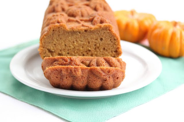photo of sliced Pumpkin Tea Cake