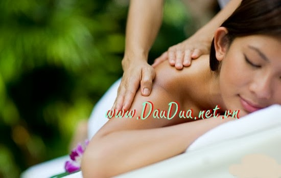 Dầu dừa giúp bạn tẩy tế bào chết vì tẩy da chết rất quan trọng trong việc hăm sóc da của phái đẹp