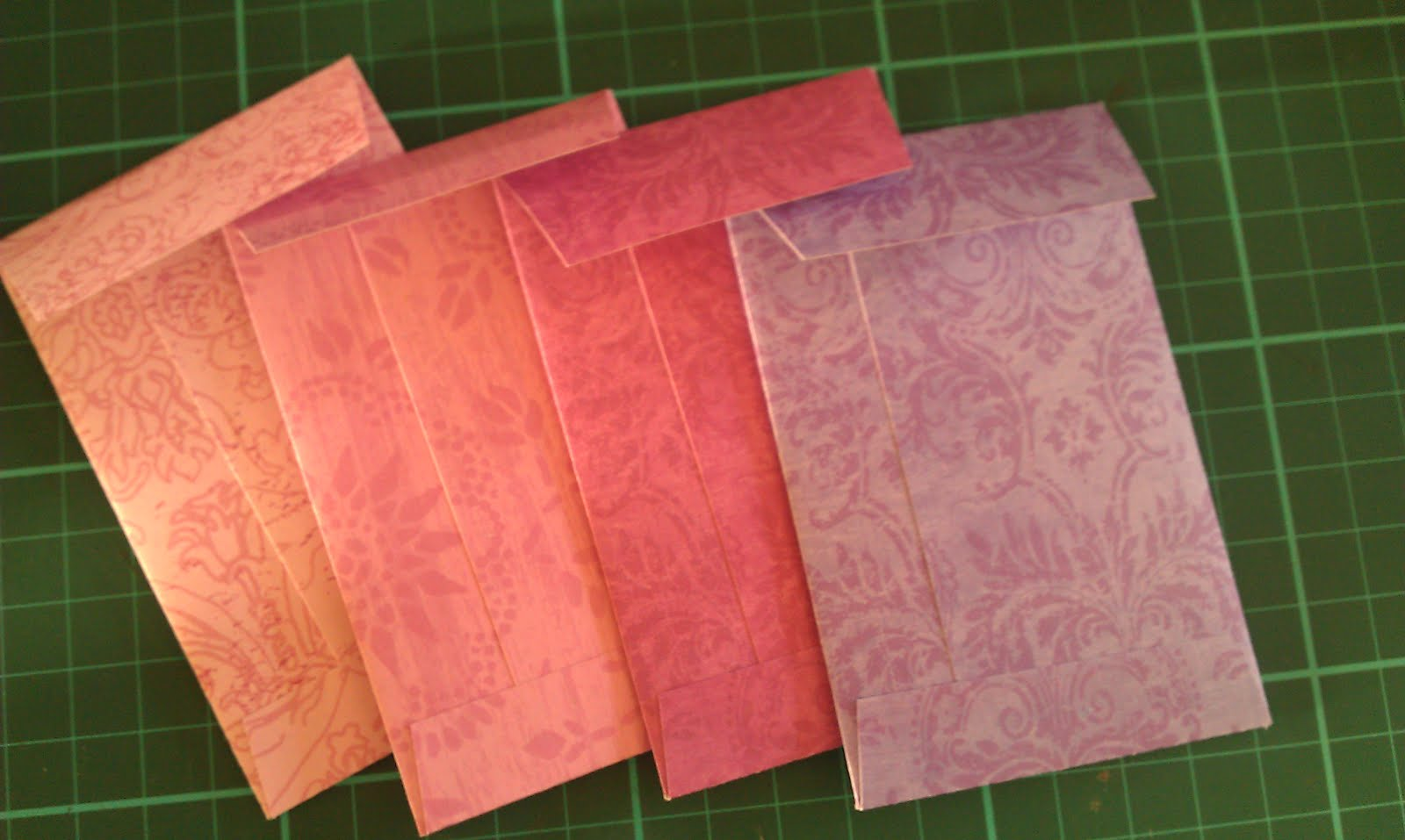 Scrapbook paper envelope template - This Is My Favourite Set Below Made Using Metallic Scrapbook Paper The Paper Has The Loveliest Texture And Feel Just The Right Weight For Envelopes