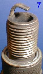 Свеча с разрушенным центральным электродом