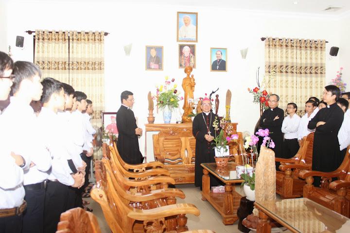 Hình ảnh Chủng sinh Cv Lâm Bích mừng bổn mạng Đức Cha Giuse (19/3)