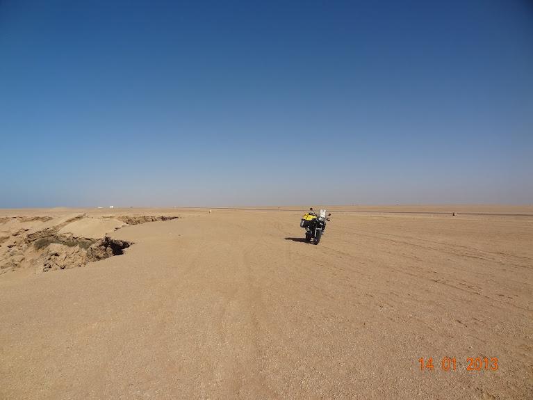 Marrocos e Mauritãnia a Queimar Pneu e Gasolina - Página 5 DSC05838