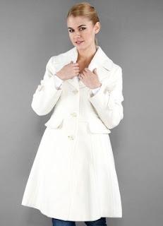 kenneth cole beyaz manto bayan kaban modeli markafoni