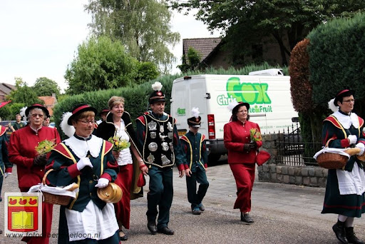 Koningschieten Sint Theobaldusgilde overloon 01-07-2012 (140).JPG