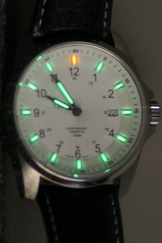 Radioliuminescencinis laikrodis