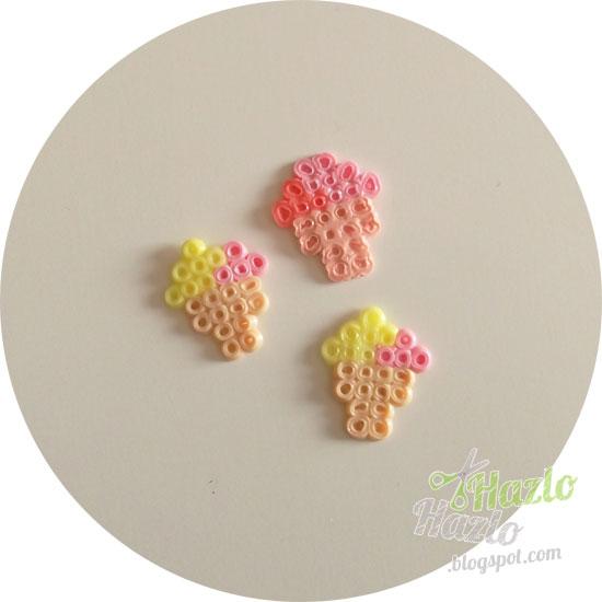Hacer cucuruchos con hama beads.