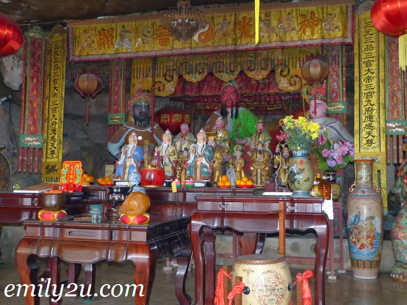 Loong Thon Ngam Temple