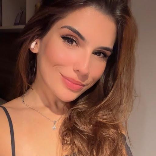 Dafne Guimarães