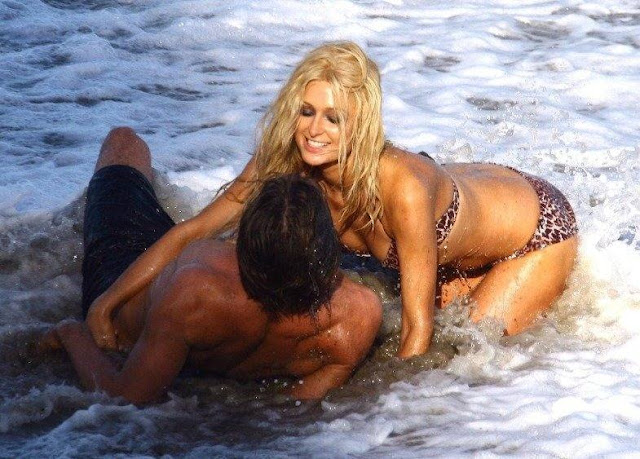 PARIS HILTON HOT SEXY BIKINI PICS PHOTOS ENJOYING ROMANTIC MOMENTS
