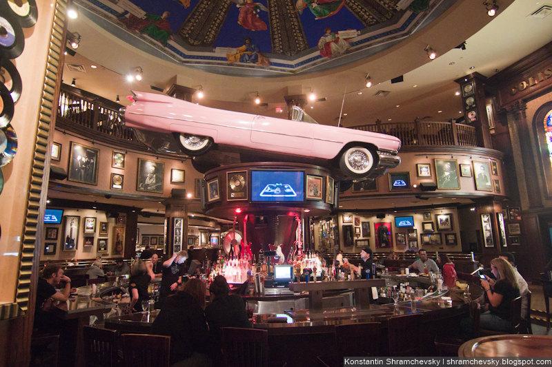 USA Florida Orlando Hard Rock Cafe Biggest in the World Pink Cadillac США Флорида Орландо Самое Большое в Мире Хард Рок Кафе Розовый Кадиллак