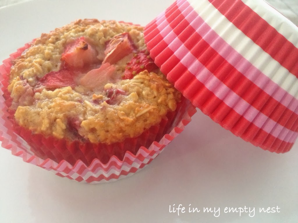 life in my empty nest: Strawberry Oatmeal Muffins
