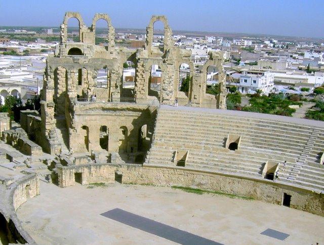 Руины Колизея в Эль Джеме