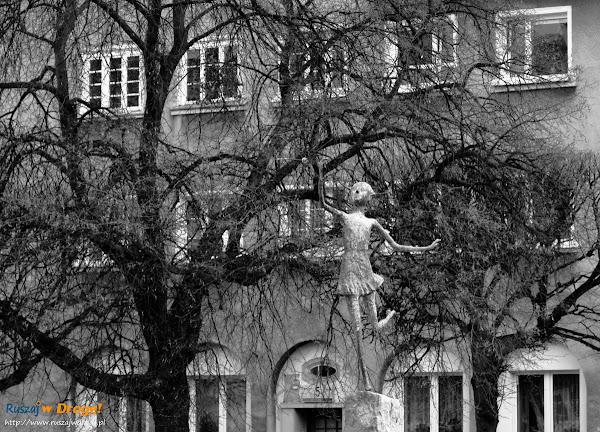 pomnik na placu wybickiego