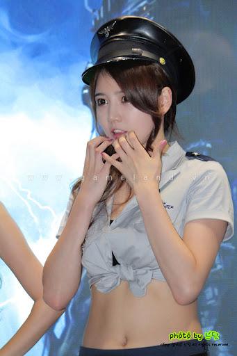 Nữ cảnh sát gợi cảm tại Dungeon & Fighter Festival 18