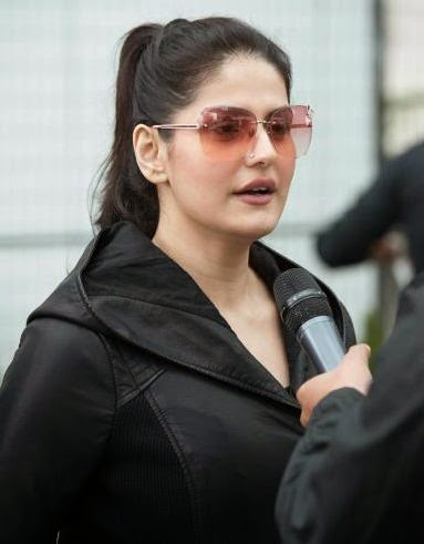 Zarine Khan Photos
