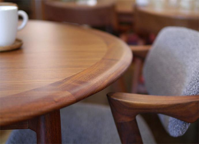 ユニバースラウンドダイニングテーブル カイクリスチャンセン プールアニックオンラインショップ