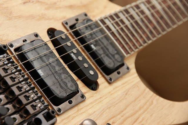 Ibanez INF Pickups Providing Excellent Tone And Dynamics Versatile Pickup For Any Kind Of Music Natural Wood Finishing