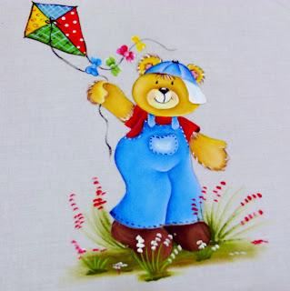 ursinho com pipa colorida