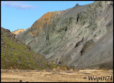 Un tour  d'Islande, au pays du feu... et des eaux. - Page 3 74-Landmannalaugar