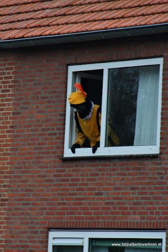Sinterklaas komt aan bij Josefschool overloon 02-12-2011 (12).JPG