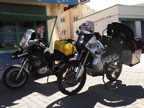 Marrocos e Mauritãnia a Queimar Pneu e Gasolina - Página 9 DSCF1007