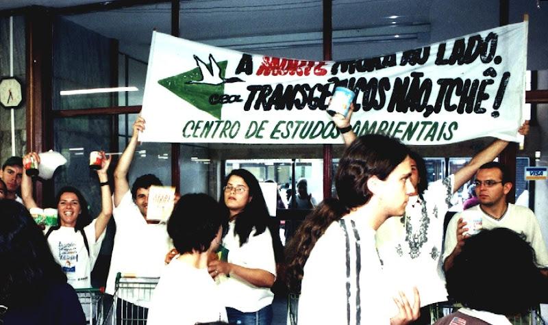 Manifestação contra transgênicos, na década de 2000