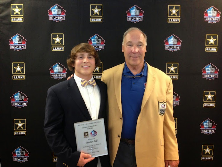 Joe D in gold to present Army and Hall prep award