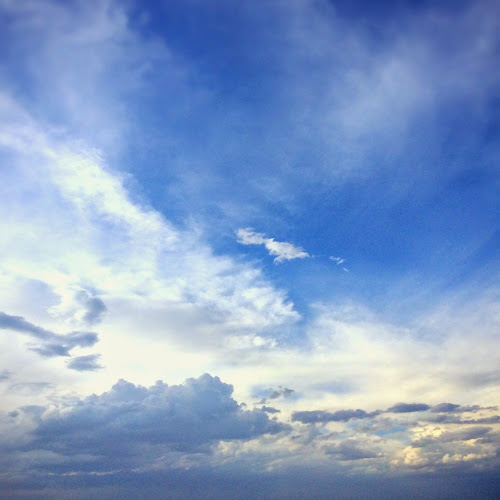 Clouds heal me. Daft, yet deft therapy.