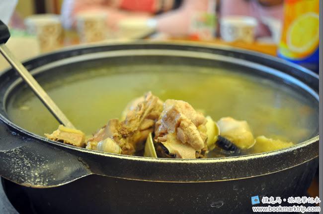 黑公雞風味餐廳蒜頭雞湯