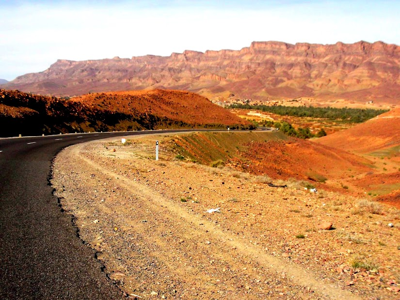 Marrocos e Mauritãnia a Queimar Pneu e Gasolina - Página 13 DSCF1485