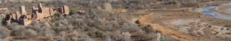 Kasbah im Oued Mgoun, Rosental, Atlas-Gebirge, Marokko