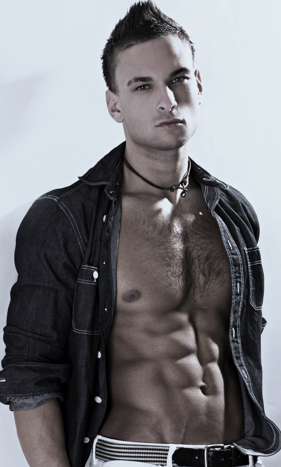 nyc male model chuck ryan strogish fitness blog  modeling